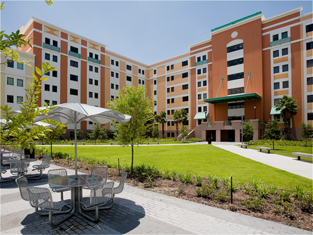 towers_ucf_knights_plaza